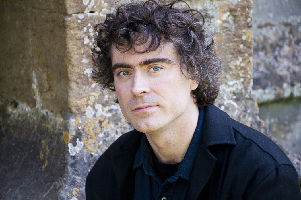 Paul Lewis, piano